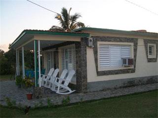 Casa en el campo, situada en la costa norte de Pinar del Rio
